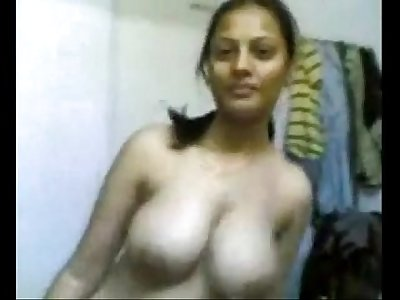 Scandle 0006 - Desi Shruti Naked Girl (Preeti Tyagi)