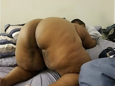 BIG BUTT BBW GETS SOME JUICE SQUIRTIN LOVIN